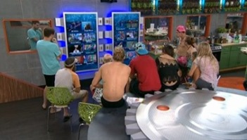 bb16-20140730-1616-hgs-watching-03